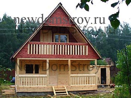 дом 6 на 6 с верандой и балконом