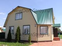 Дачный дом с красивой крышей